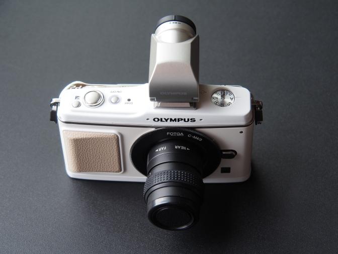 オリンパスPEN E-P2ホワイト+VF-2シルバー
