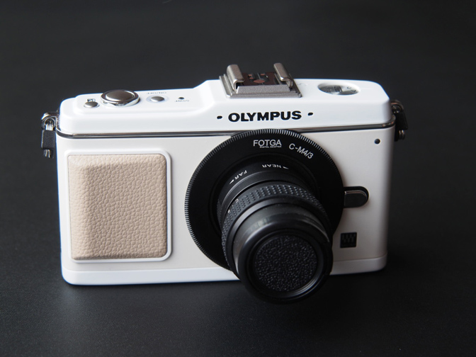オリンパスPEN E-P2ホワイト