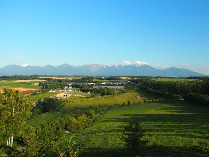 千代田の丘展望台から望む十勝岳連峰