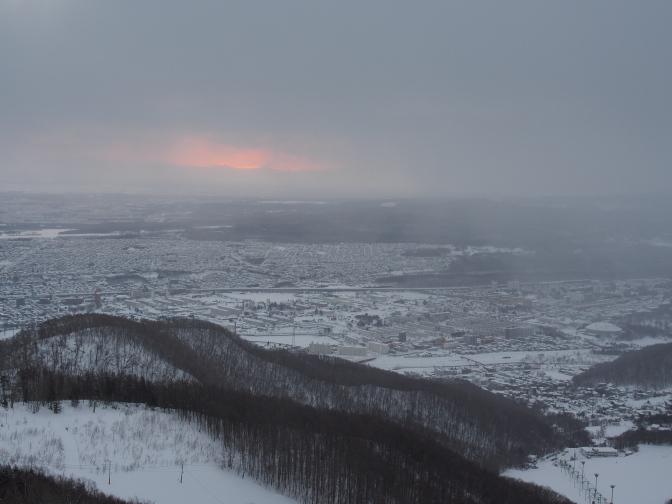 南側から降雪を伴う厚い雲ヽ(`Д´)ノ
