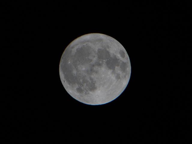 moon_04t.jpg