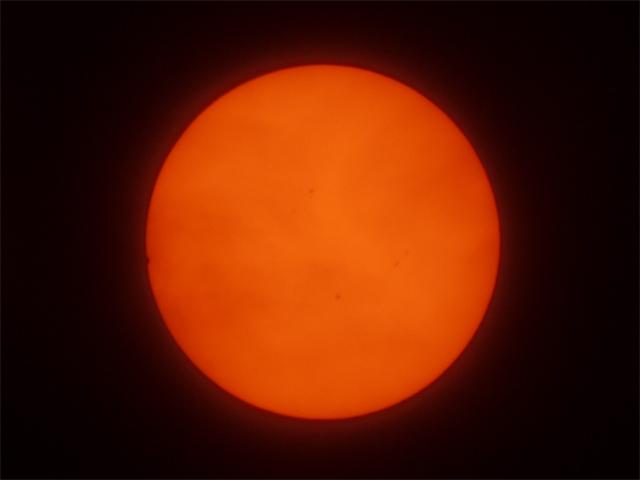 金星の太陽面通過/第一接触