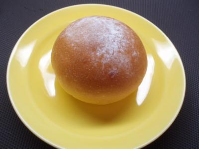 20120229差し入れ生クリームあんパン1