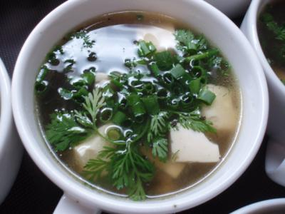 20120519カンボジア・豆腐とのりのスープ