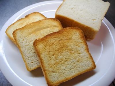 20120919手ごね食パン初トースト1