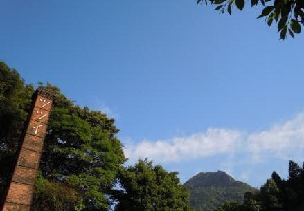 煙突と英山1