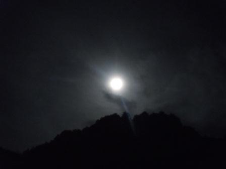 八朔の月(2012-08-01 23:35撮影)