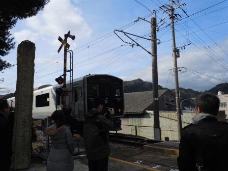 陶山神社境内の踏切(2012-12-18)
