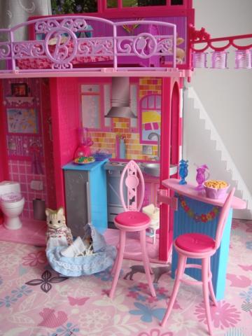 barbie house2