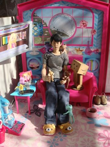 takeru with mini dolls