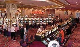 220px-Casino_slots2.jpg