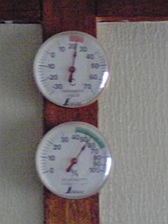 2010年5月3日の気温と湿度。