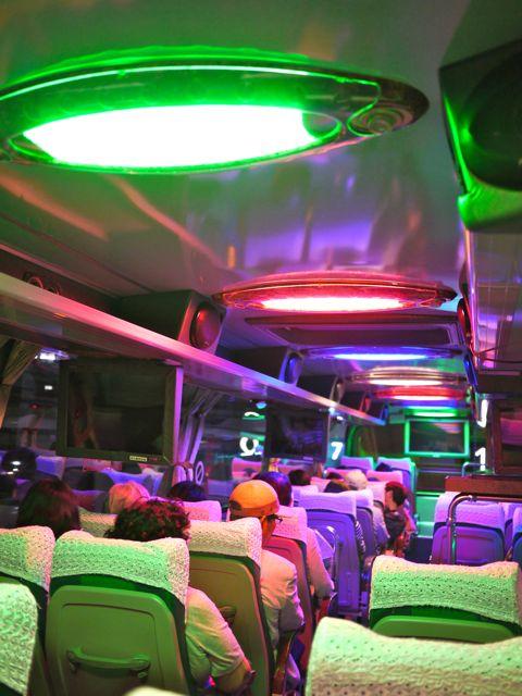 台湾 観光バス