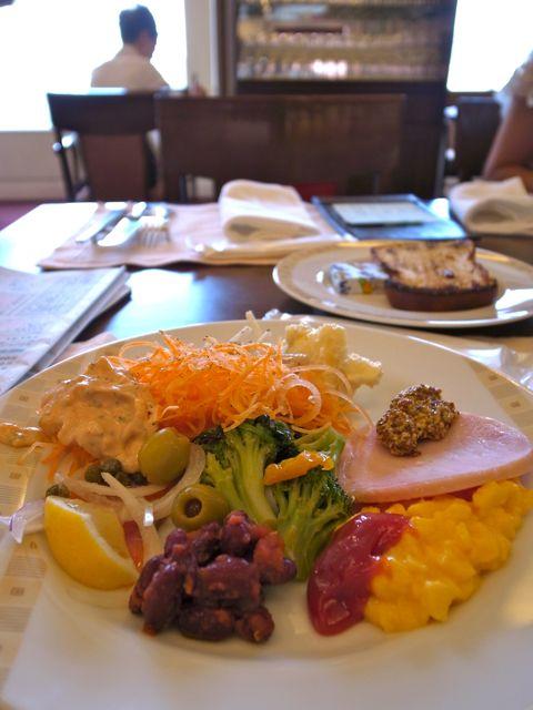 帝国ホテル 朝食1