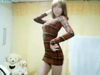 韓国のナイスボディなセクシー美女が自宅で踊ってる動画