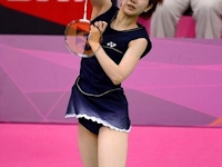 日本のバドミントン女子選手のユニフォームがミニスカートでセクシーと話題