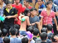 中国・海南の水かけ祭りで女の子が胸を触られるセクハラ事件が多発したらしい