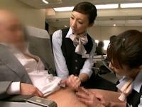 飛行機の中でポルノサイトを見てオナニーしていた63歳の男を逮捕