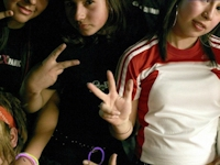 保守的なチリにパーティーで多数の人とキスしまくる「Pokemons(ポケモンズ)」と呼ばれる12~18歳の少年少女が増えてるらしい