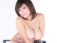 ぽっちゃり巨乳な中国モデルのヌード画像