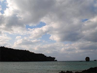 恩納村の海岸_110122