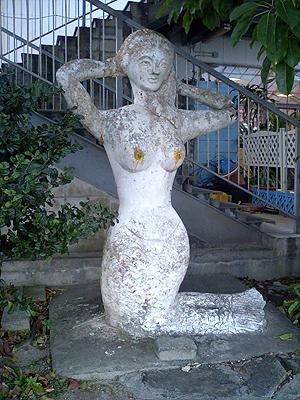 中城の人魚像04