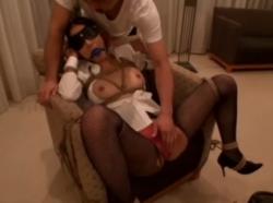 美人秘書を拘束し玩具で責め立て椅子にM字開脚!!! - エロ動画 アダルト動画