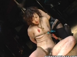 Provocative Asian slavegirl whipped by a horny domme - XVIDEOS.COM(5)