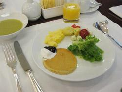 パラダイスホテルの朝食バイキング-1