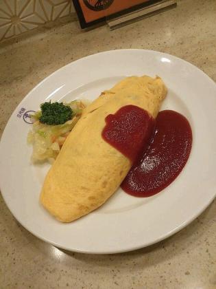 上野駅洋食や三代目たいめいけん、オムライス、ケチェップ1