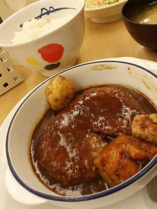 松屋シチューハンバーグ定食2