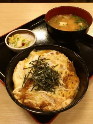 和定食の店松乃家天王町店でかつ丼、豚汁セット3