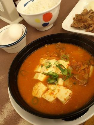 松屋キムチチゲカルビ定食3