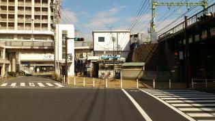 横浜駅西口から京急、神奈川新町駅まで歩く(内容は仲木戸駅まで)6