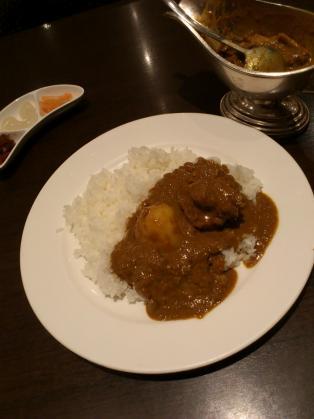 新宿中村屋オリーブハウス横浜ランドマークプラザ店、新宿中村屋伝統のインドカリー、苺カスタードパフェ2