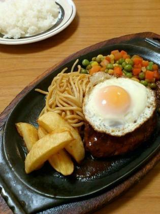 ミツワグリル、ハンバーグステーキ、ライス1