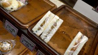 コテイベーカリーでハムカツサンド、ポテトサンド2