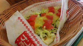 モスバーガー期間限定ナン・タコスマリネと塩糀(しおこうじ)バーガー 雅(みやび) 長芋&かんずりソース仕立て5