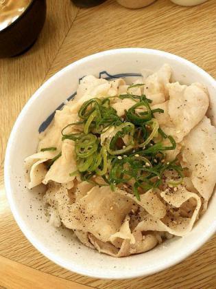 2012.05、松屋で豚しゃぶ丼(並)2
