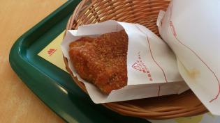 モスバーガーにて期間限定スパカツバーガー豚ヒレ肉使用とイタリアンチキン(トマト風味)とジンジャエール(S)6