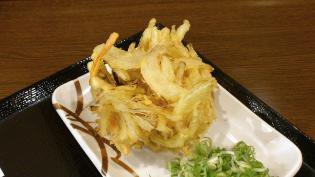 丸亀製麺大和店で天丼用ごはんと野菜かき揚げ。3