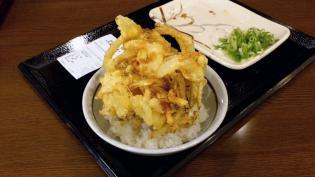 丸亀製麺大和店で天丼用ごはんと野菜かき揚げ。5