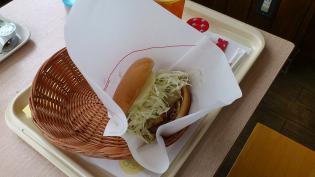モスバーガー期間限定大阪発塩糀豚天バーガー。3