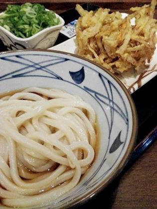 丸亀製麺ぶっかけ並]野菜かきあげ2