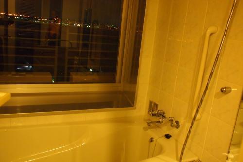 風呂からも見える夜景