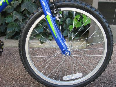 キッズバイクですが、タイヤを ...