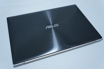 Asus_zenbook_UX31A_006.jpg