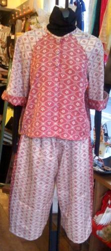 pinkpantssuitsnakaharasan.jpg