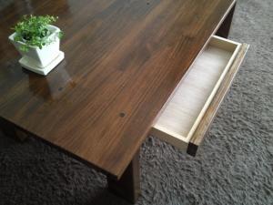 リビングのテーブル2