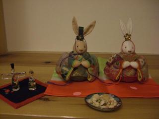 ウサギ雛とガラス雛